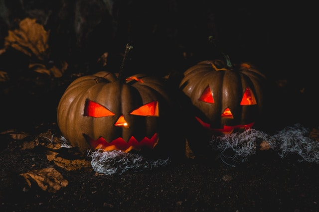 Glowing eyes from the pumpkin